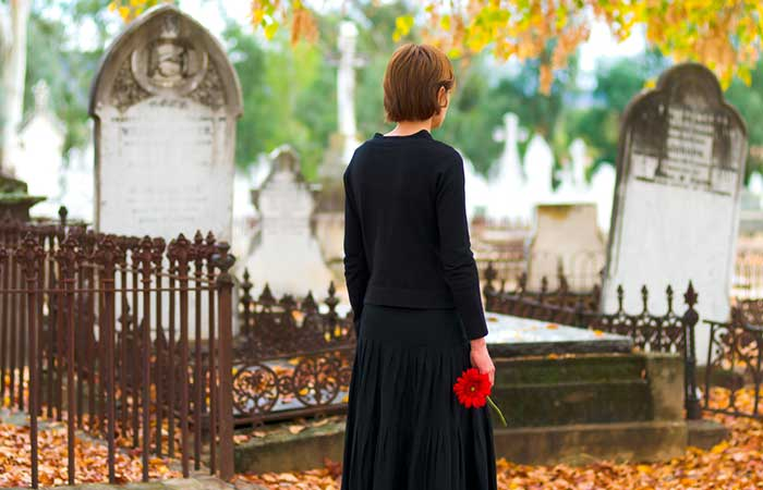 What To Wear To A Funeral - What-To-Wear-To-A-Funeral-In-Summer