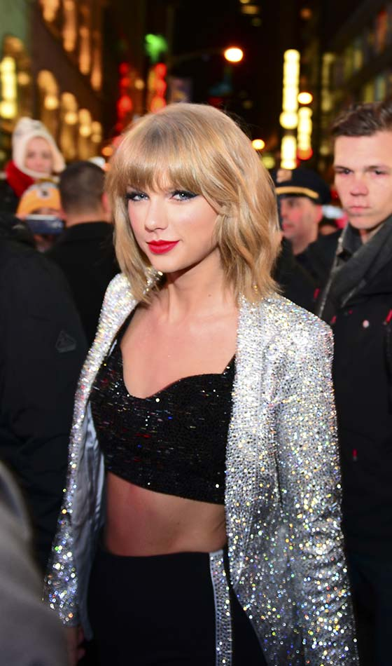 Taylor Swift In Bob And Bangs