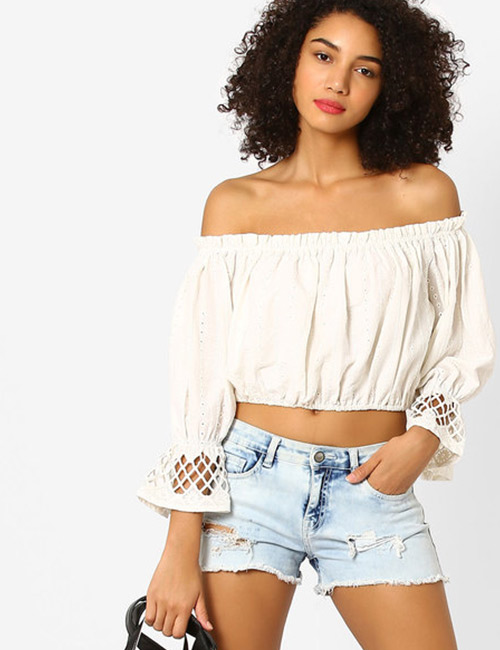 How To Wear A Crop Top - Crop Top With Shorts