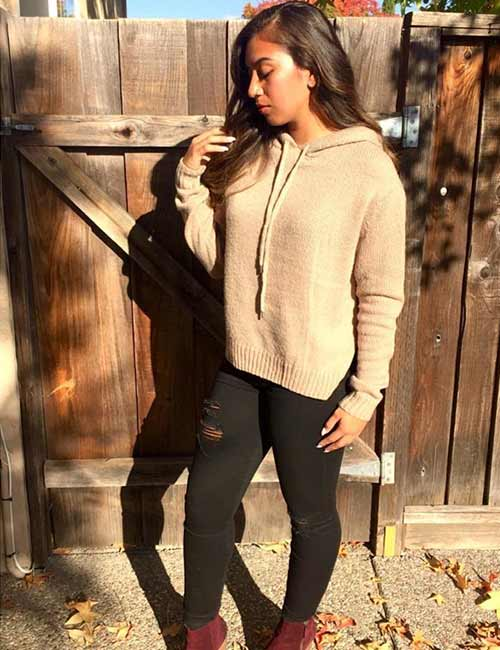 High Waisted Jeans - With A Hoodie Sweater And Suede Boots