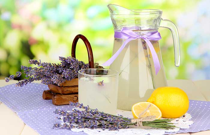 Homemade Mosquito Repellent - Lavender Oil, Vanilla, And Lemon Juice Spray
